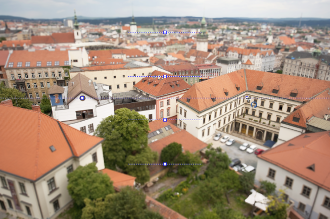 The Tilt-shift tool, placed on a photograph.