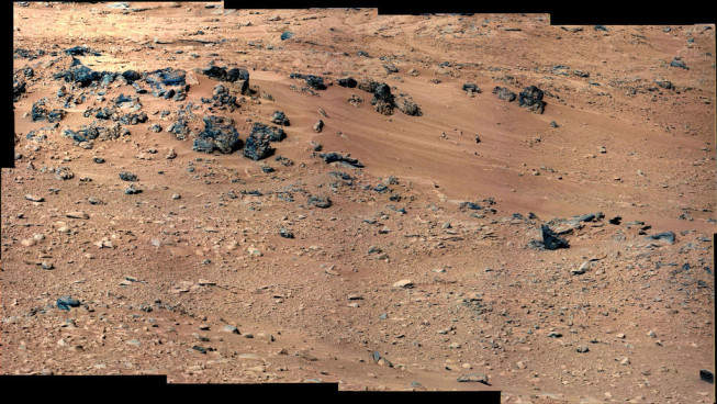 Stones from the rover's location on its 52nd Martian day. Photo: NASA/JPL-Caltech/MSSS.