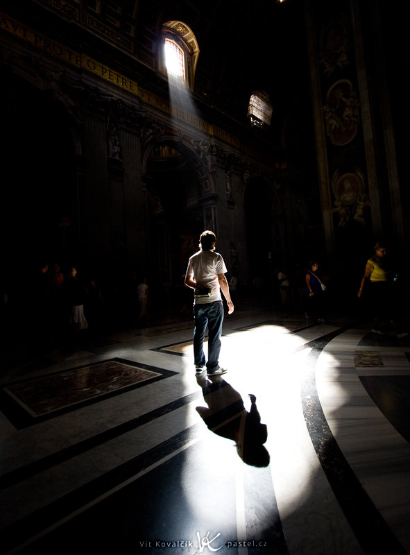 With a little patience, you can pre-arrange a scene and then take a picture that includes e.g. a random passerby. The St. Peter's Basilica at the Vatican. Canon EOS 40D, Canon EF-S 10–22 mm F3.5–4.5 USM, 1/100 s, F8.0, ISO 100, focus 10 mm (= 16 mm 35mm equivalent)