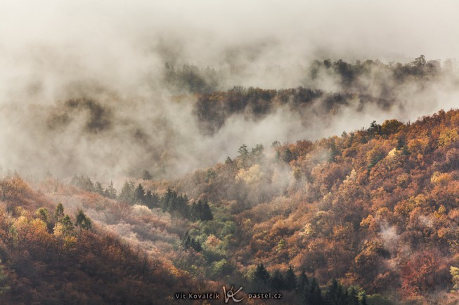 A small slice of a landscape otherwise covered in clouds. I needed to strongly increase the contrast and saturation to make the hills stand out enough. Canon 5D Mark II, Canon EF 70-200/2.8 IS II, 1/400 s, F8, ISO 100, focus 165 mm