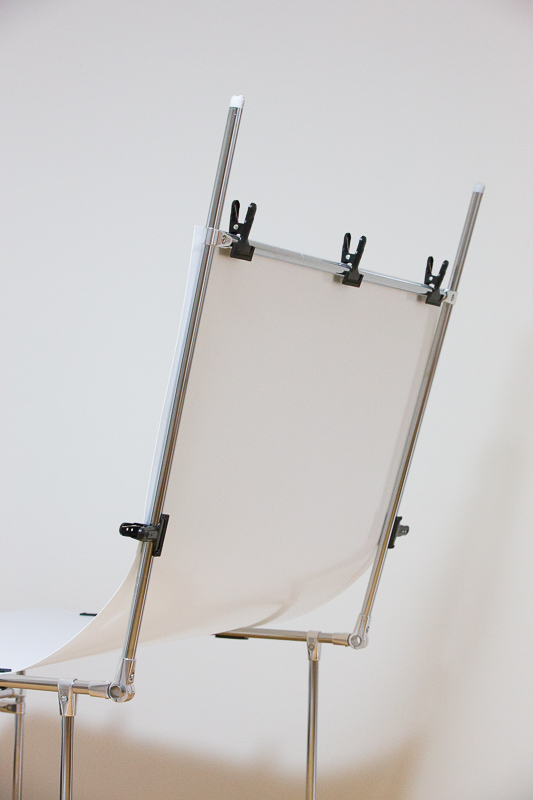 A shooting table from behind. The bottom is designed to not have any horizontal connectors.