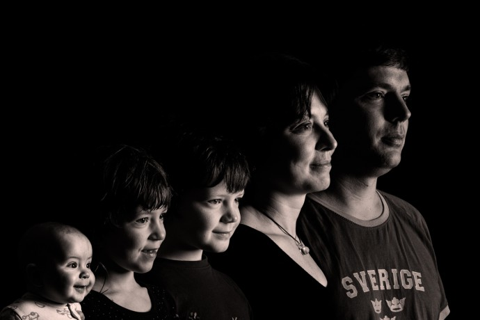 Canon EOS 7D, 70-200/2.8, 1/125 s, F13, ISO 100 A low-key family portrait made up of five source pictures