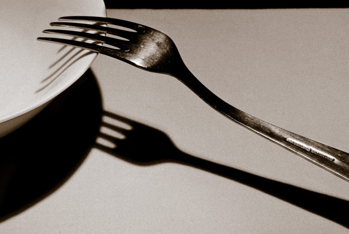 "An example of diagonal composition. This is an imitation of a photo called ""The Fork"" by one of the classics of photography—André Kertész. The original that I'm imitating was taken in 1928. Canon EOS 7D, EF-S 15-85/3.5-5.6 IS USM, 1/125 s, f/18, ISO 100, focus 70 mm (112 mm equiv.)"