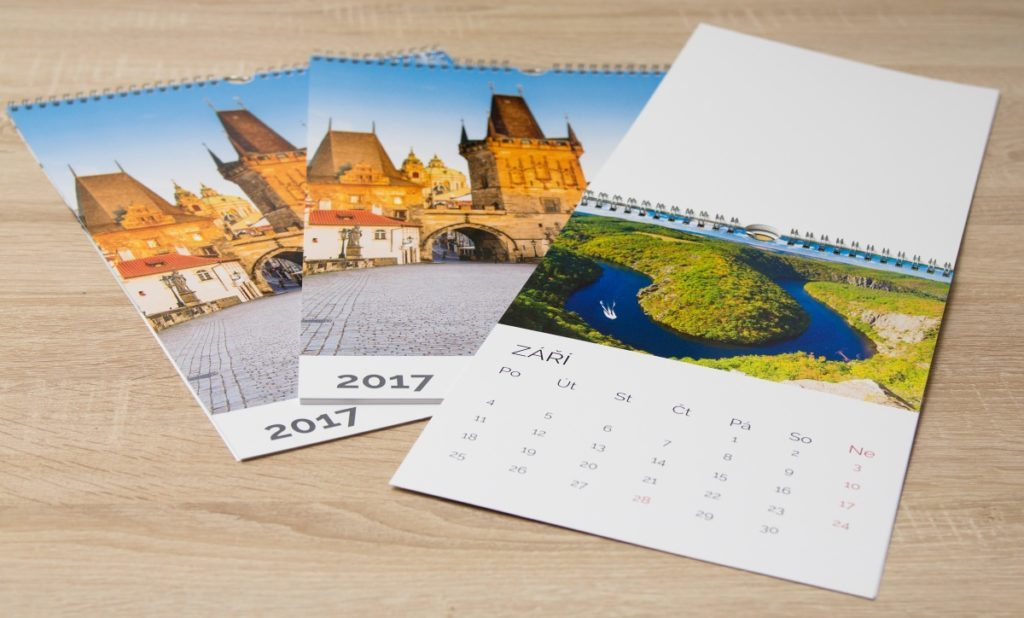 Our photo calendars also come in lots of formats and can be built using lots of templates. Their prices start from $8.99.