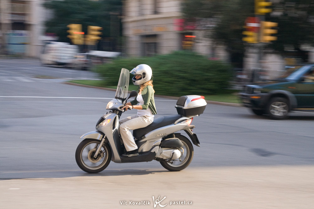 Following the motorcycle's motion. Canon 350D, Sigma 18-50/2.8 EX, 1/60 s, f/8, ISO 400, focal length 50 mm