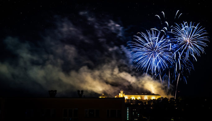 Learn the Right Way to Photograph Fireworks: Fireworks at the Špilberk Castle in Brno, Czech Republic.
