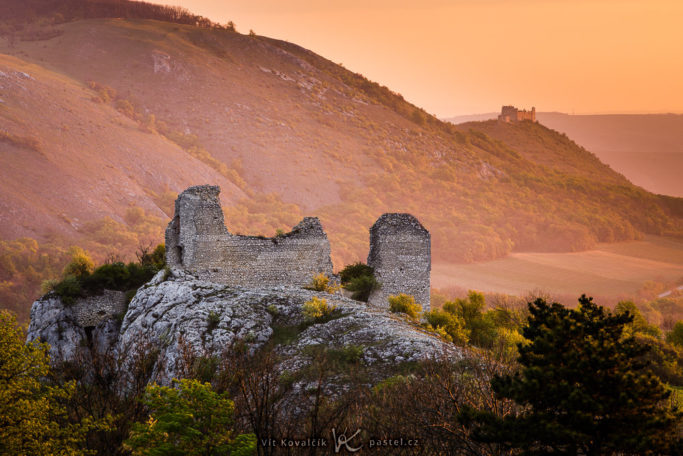 Benefits of Telephoto Lenses for Landscapes: two castles.