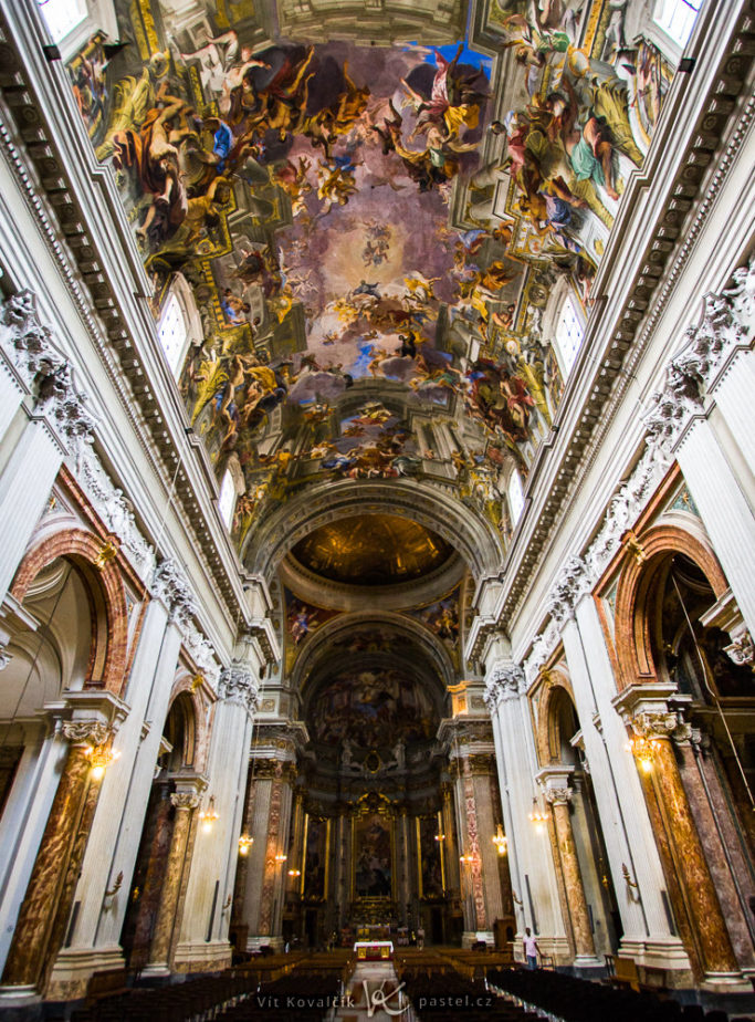 How to Photograph in Churches: wide shot and longer exposure.