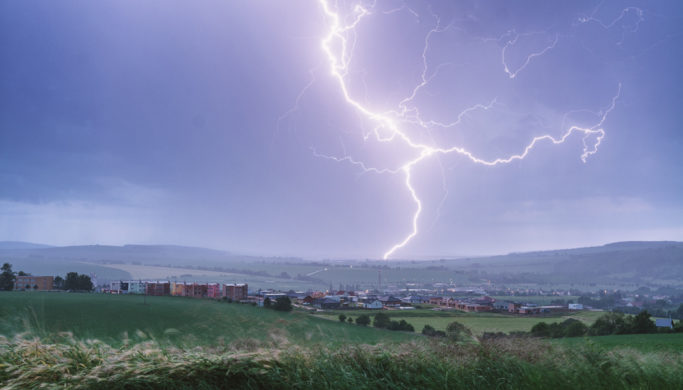How to Photograph Lightning: Become a Master of Storms
