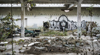 Urbex: Mastering Light and Composition