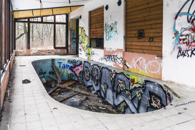 Urbex-Mastering Light and Composition: a terrace with the pool.
