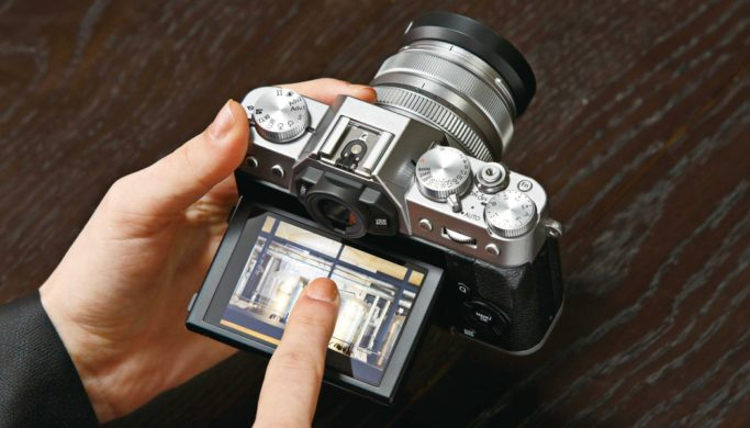 DSLRs vs. Mirrorless: Discover Their Pluses and Minuses