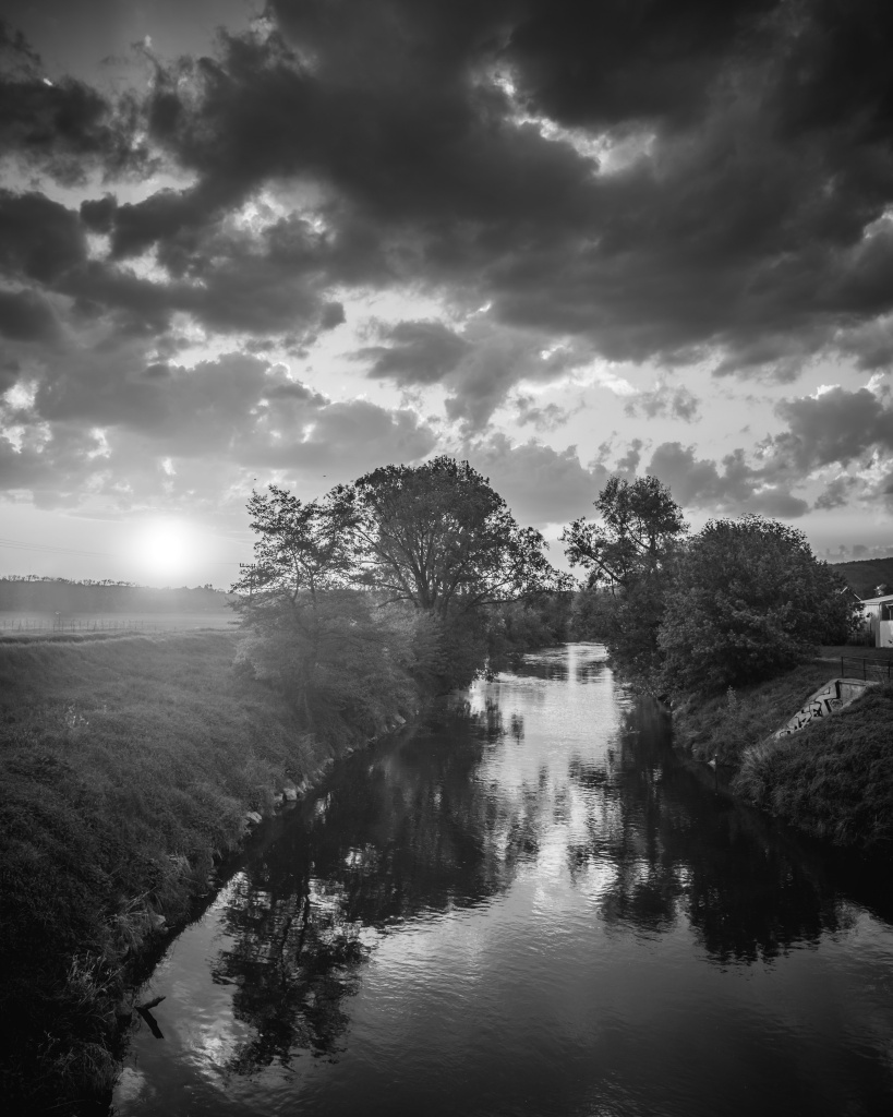 Black and white landscapes check river bw