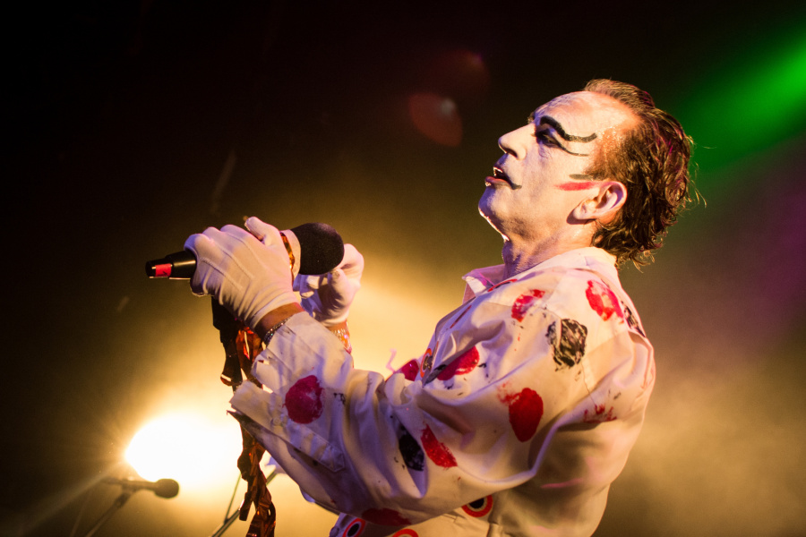 How to Photograph Concerts - getting close The Adicts