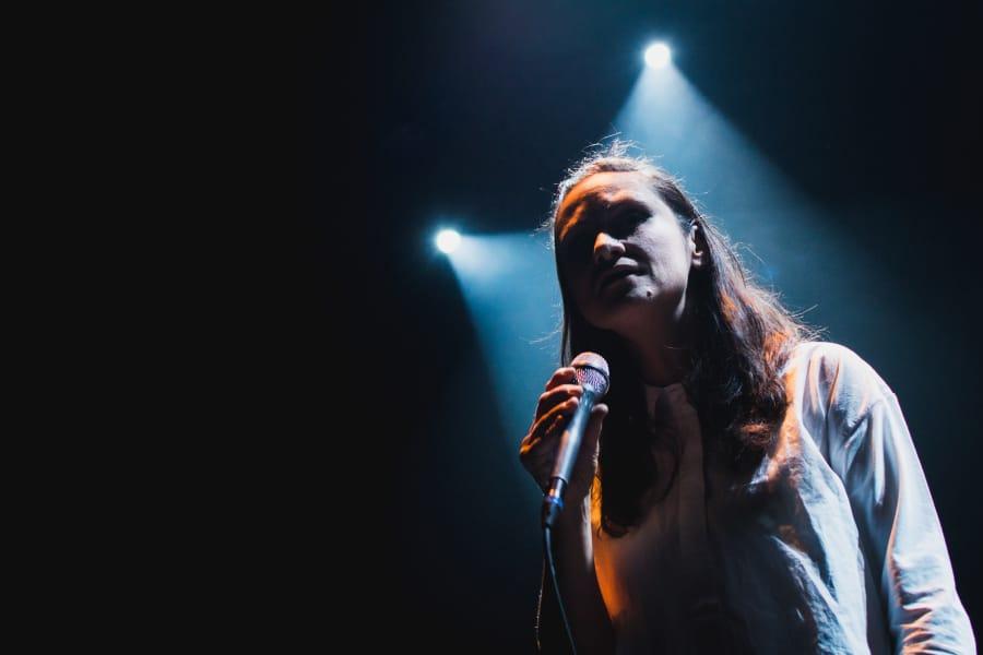 How to Photograph Concerts - point lights Lenka Dusilová