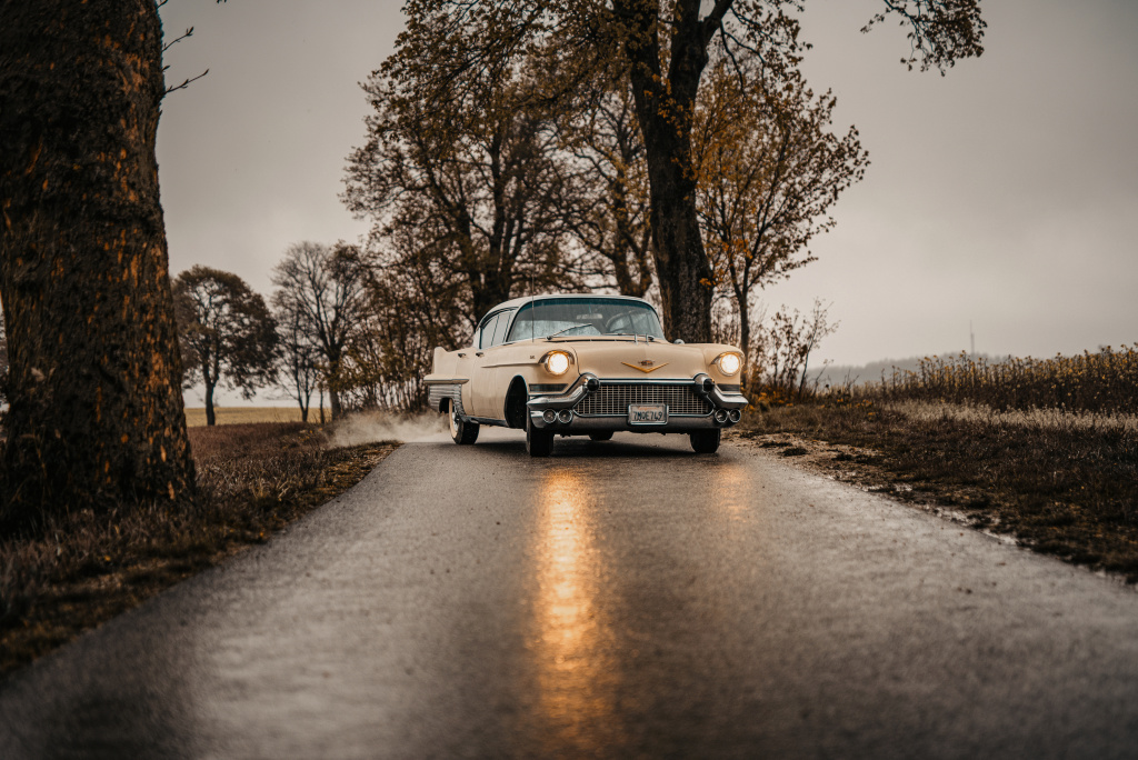 How to Photograph Vintage Cars - reflection