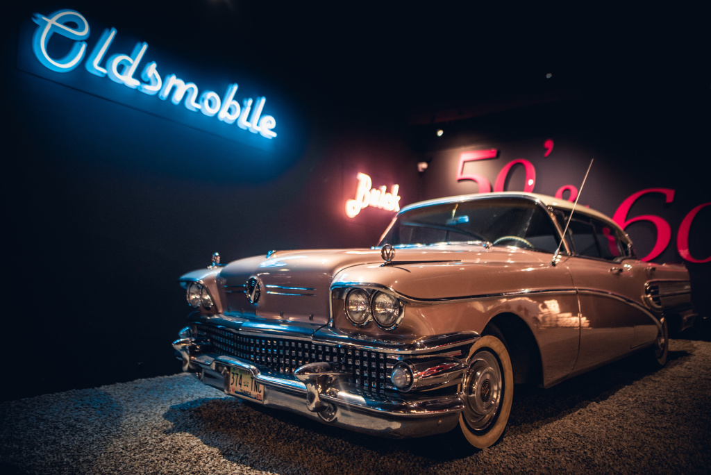 How to Photograph Vintage Cars - reflections