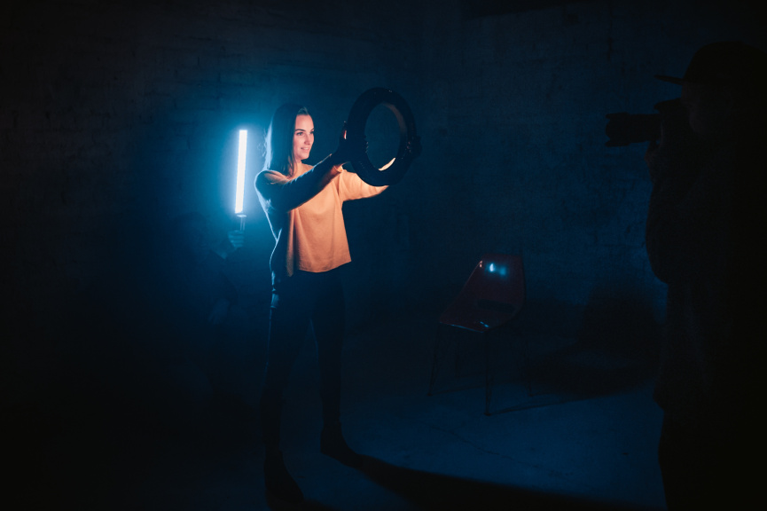 Portraits With an LED Ring Light - backstage