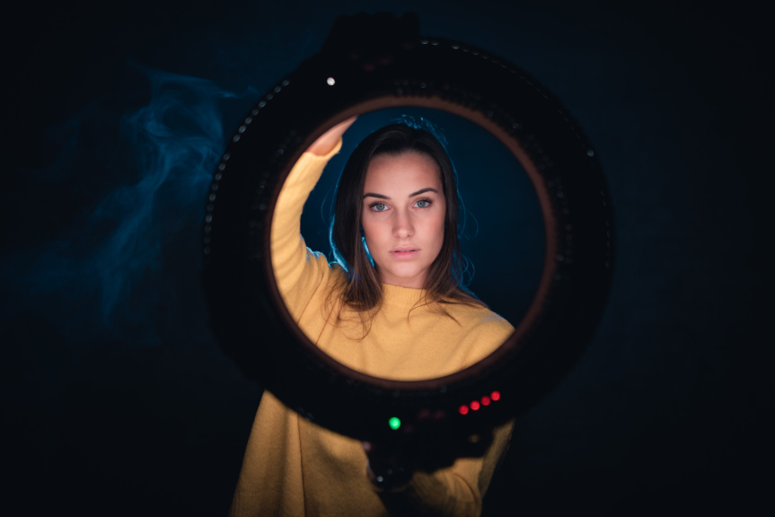 Portraits With an LED Ring Light - indicators