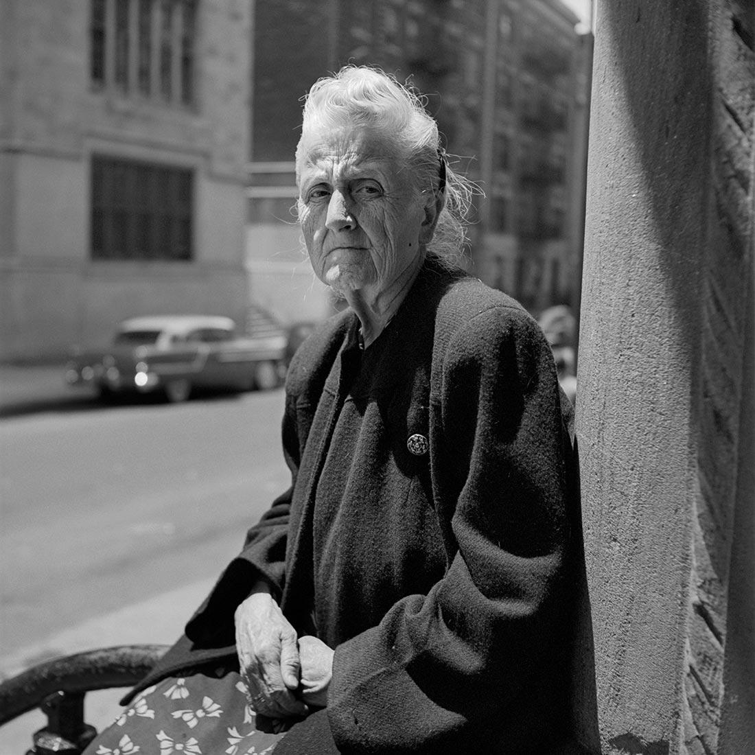 8 Clues to Better Street Photography in the Works of Vivian Maier