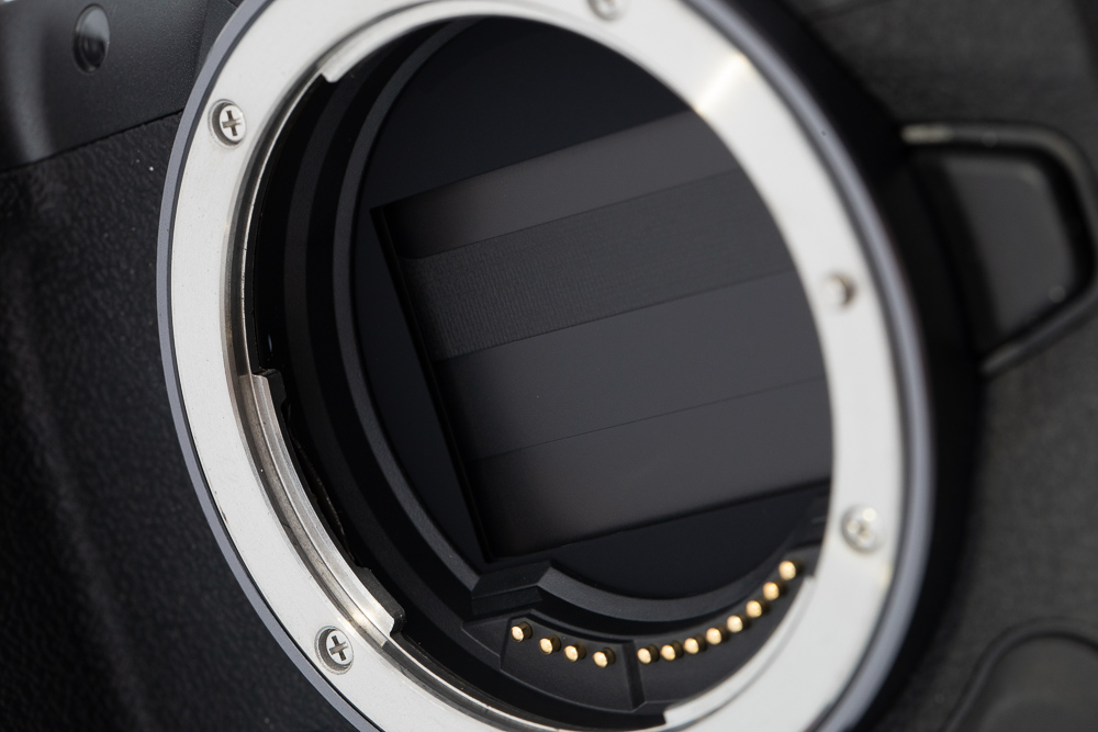 Mechanical vs. electronic shutter: what are the differences and which one should you use?