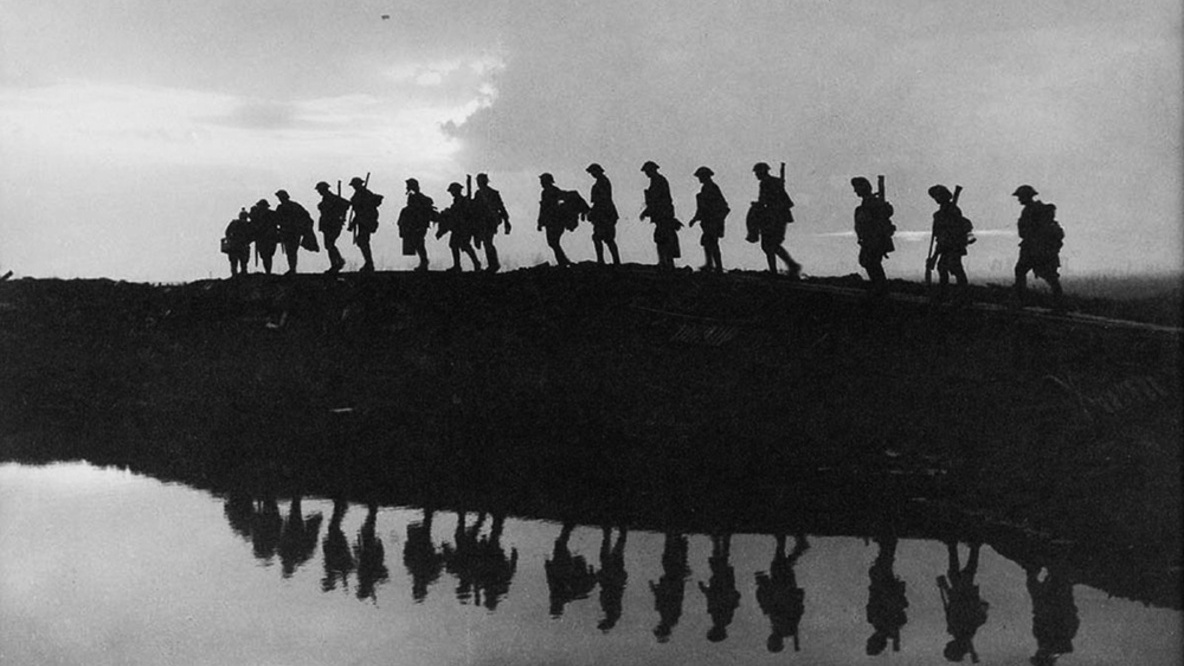 Photography in the trenches of war - 5 famous war photographers
