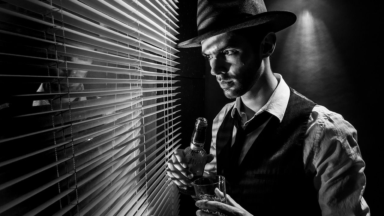 Crimes after dark-How to do a Film Noir photoshoot