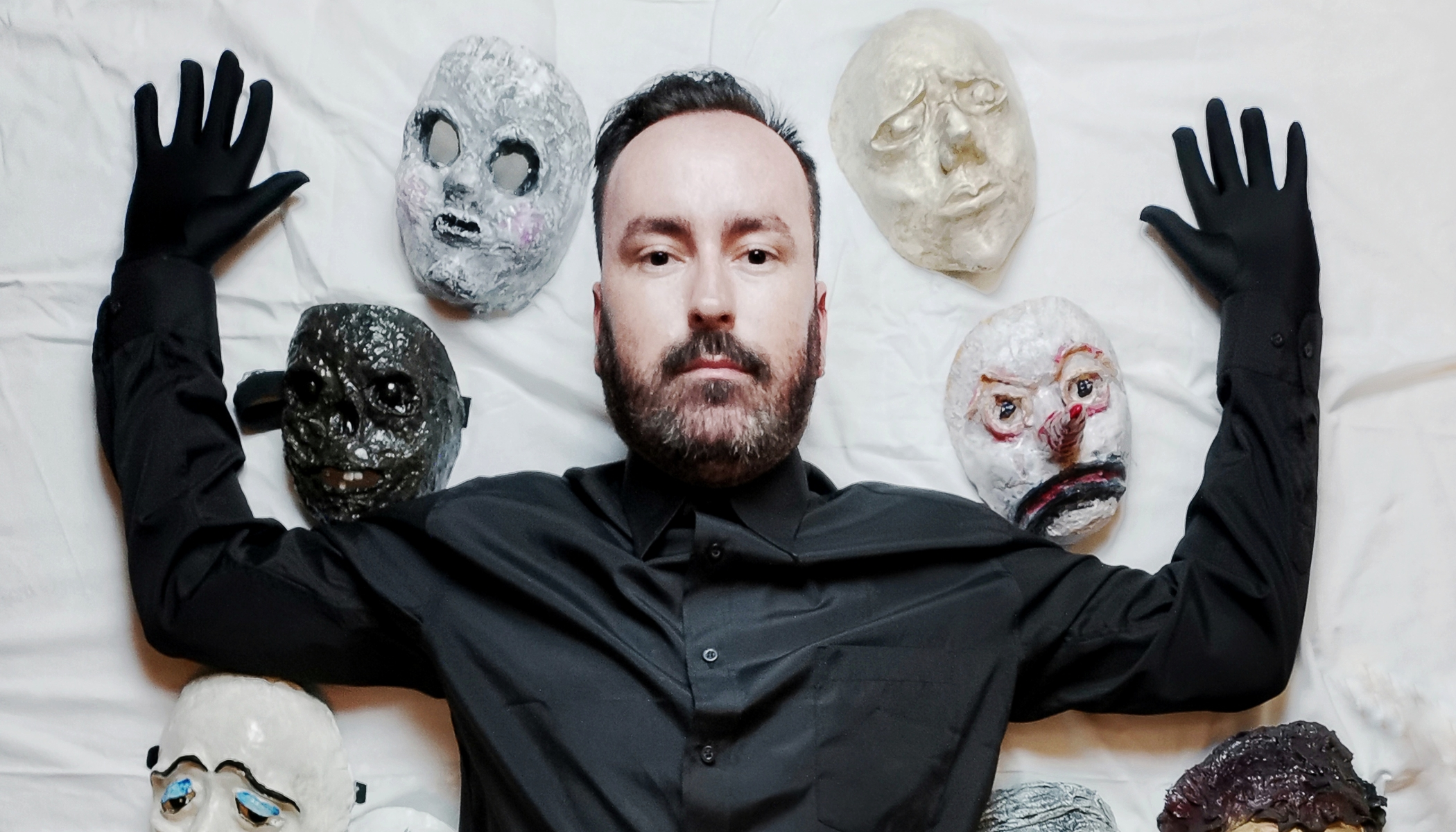 Horror photographer Peter Murín: Masks are the incognito, the mysterious. I shape precisely the expression I desire.